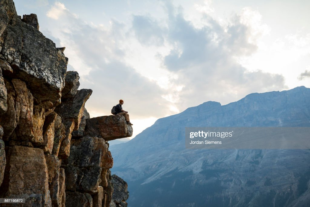 hiking in the mountains ストックフォト getty images