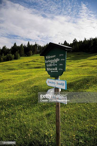 hiking sign, groeblalm mountain pastures near mittenwald, karwendelgebirge mountains, werdenfelser land area, upper bavaria, bavaria, germany, europe - captions stock photos and pictures