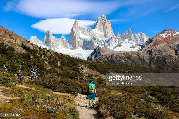 hiking towards mount fitz roy, patagonia, argentina - chalten stock pictures, royalty-free photos & images