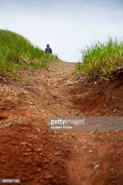 hiking trail - quebec fotografías e imágenes de stock