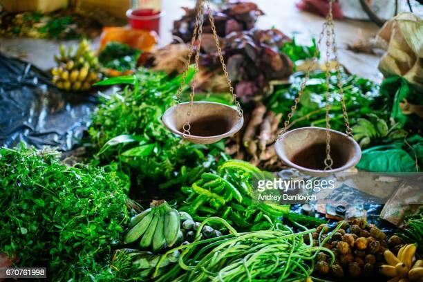 ヒッカドゥワのローカル市場 - スリランカ ストックフォトと画像