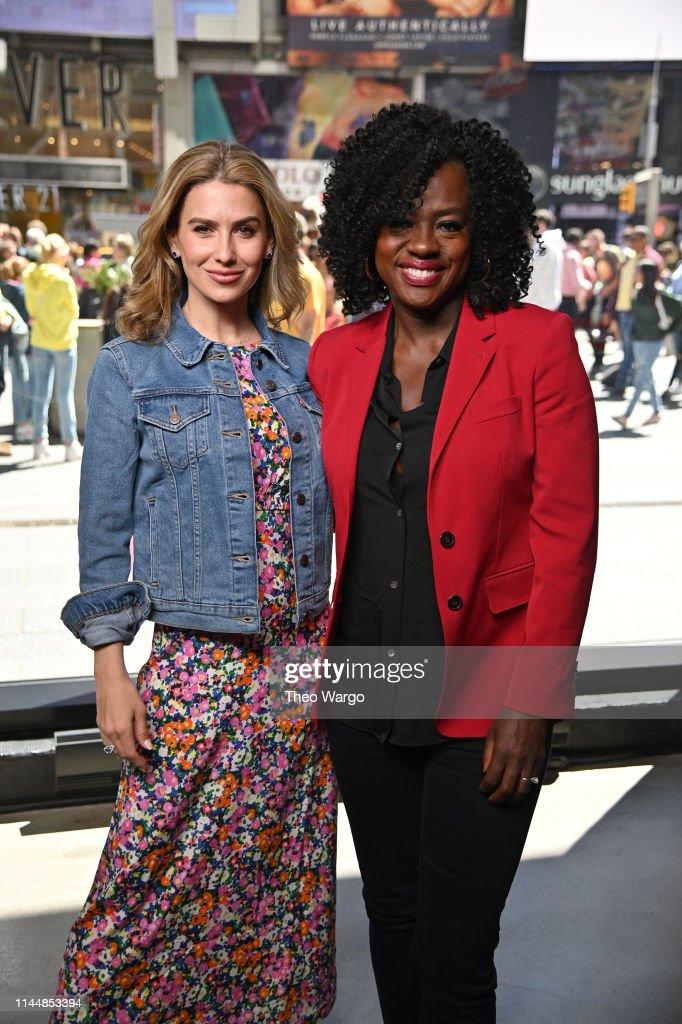 "NY: Viola Davis And Hilaria Baldwin Visit ""Extra"""