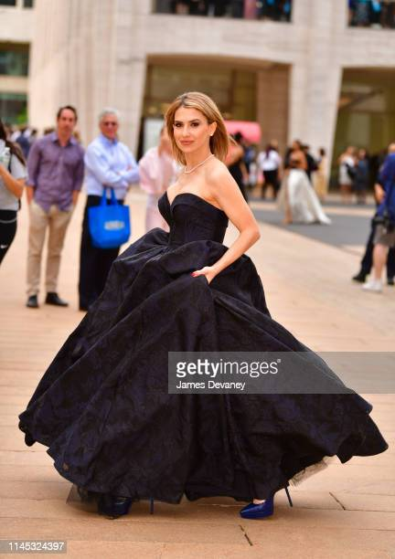 Hilaria Baldwin arrives to the American Ballet Theatre 2019 Spring Gala at The Metropolitan Opera House on May 20 2019 in New York City