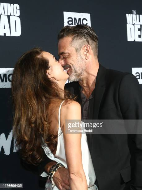 Hilarie Burton and Jeffrey Dean Morgan attends The Walking Dead Premiere and Party on September 23, 2019 in West Hollywood, California.
