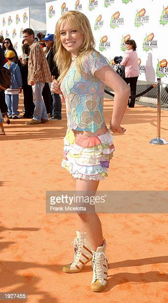 Hilary Duff attends Nickelodeon's 16th Annual Kid's Choice Awards at the Barker Hangar, April 12, 2003 in Santa Monica, California.