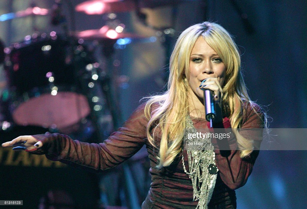 Hilary Duff performs on stage at the 2004 World Music Awards at the Thomas & Mack Centre on September 15, 2004 in Las Vegas.