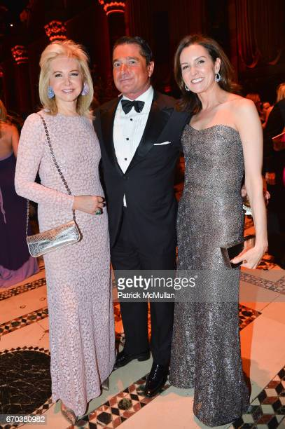 Hilary Geary Ross Scott Snyder and Alexia Hamm Ryan attend LHNH honours Geoffrey Bradfield and John Manice at Cipriani 42nd Street on April 18 2017...