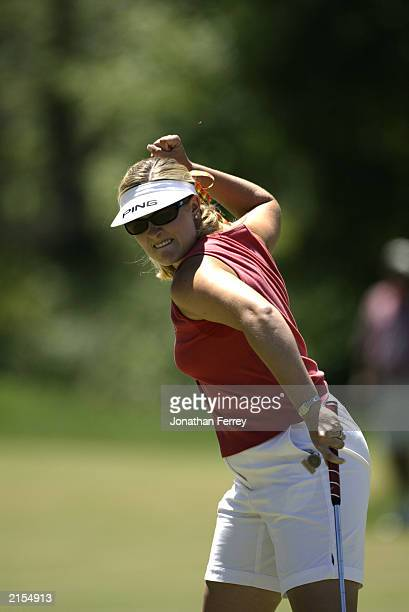 Hilary Lunke celebrates sinking a birdie putt on the 18th hole to win the 18 hole playoff of the US Women's Open on July 7 2003 at Pumpkin Ridge Golf...