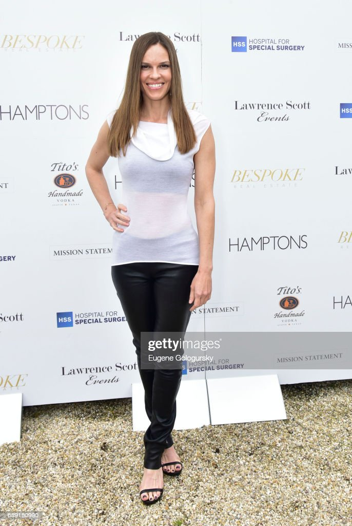 Hilary Swank attends the Hamptons Magazine Memorial Day Celebration With Cover Star Hilary Swank Presented by Bespoke Real Estate on May 27, 2017 in Southampton, New York.