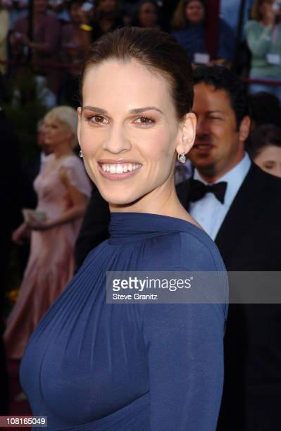 "Hilary Swank nominee Best Actress in a Leading Role for ""Million Dollar Baby"" wearing jewelry by Chopard"