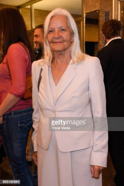Hildegard Schmahl attends the premiere 'In Zeiten des abnehmenden Lichts' on May 28 2017 in Berlin Germany