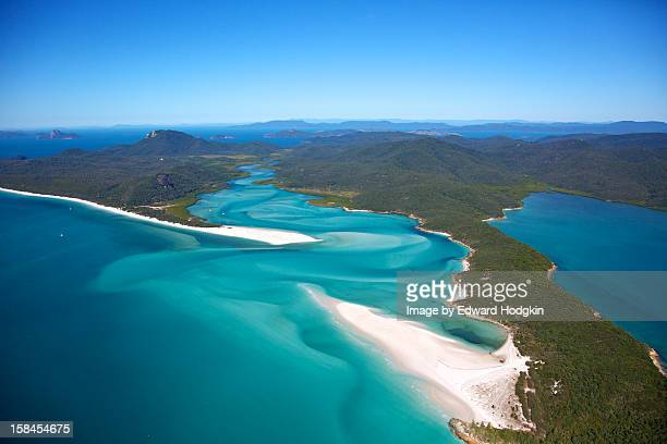 hill inlet postcard - whitehaven beach stock-fotos und bilder
