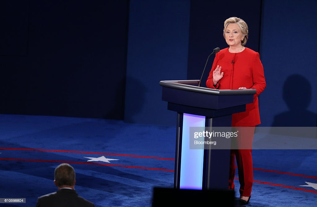 Candidates Hillary Clinton And Donald Trump Hold First Presidential Debate At Hofstra University : News Photo