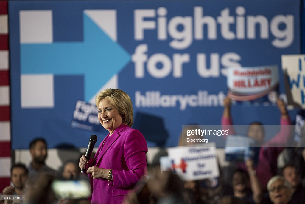 Presidential Candidate Hillary Clinton Holds Get Out The Caucus Event : News Photo