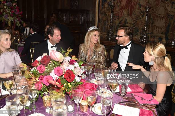 Hillary Marx James Coleman Paula Peck Joachim Ronning and Amanda Hearst attend Hearst Castle Preservation Foundation Hollywood Royalty Dinner at...