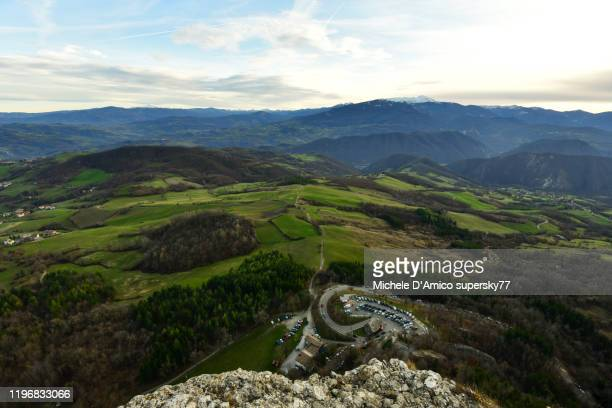 hilly landscape n the apennines from the rocky pietra di bismantova - reggio emilia stock pictures, royalty-free photos & images