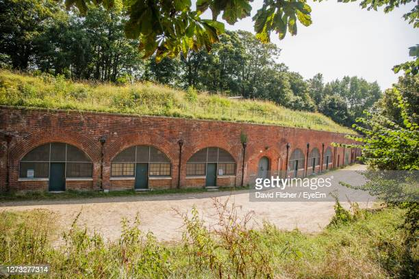 hilsea lines ramparts bastion fort in portsmouth. - arch stock pictures, royalty-free photos & images