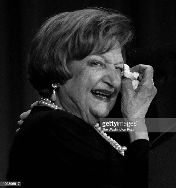 04/26/98 Hilton Hotel BRIEF DESCRIPTION White House Correspondents Dinner UPI's Helen Thomas wipes a tear as she is awarded the first Helen Thomas...
