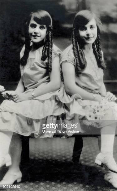 Hilton Twins Violet and Daisy Portrait 1924