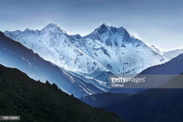 himalaya mountain range, nepal - snowcapped mountain stock pictures, royalty-free photos & images