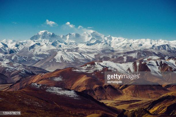 panorama himalayano sull'everest - himalaya foto e immagini stock