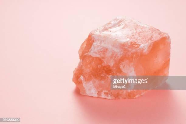 himalayan pink salt rock - salt mineral stock pictures, royalty-free photos & images