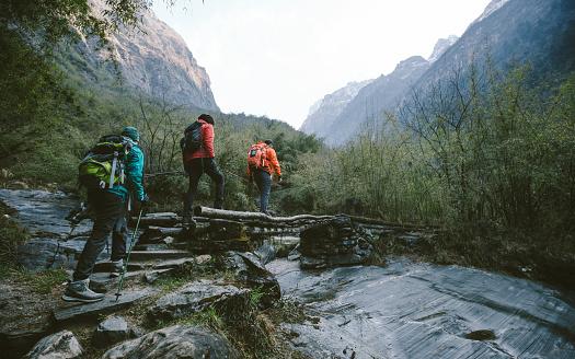 Himalayan trekking 532189860