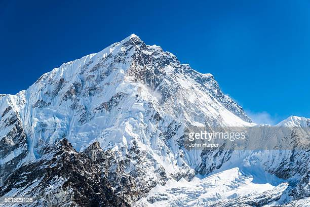 himalayas, mt. everest trek, khumbu valley, nepal - mt. everest stock pictures, royalty-free photos & images