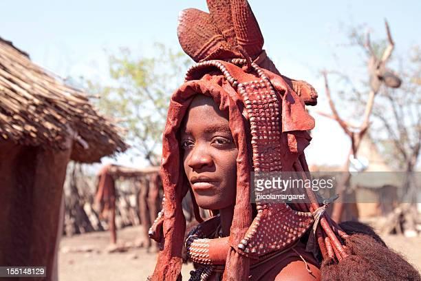 himba mariée. namibie. - himba photos et images de collection