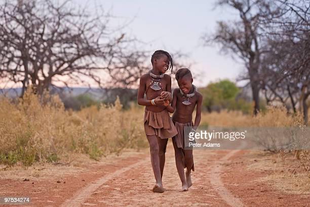 himba children, kaokoland, namibia, africa - himba photos et images de collection