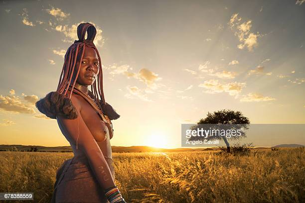 himba woman, kaokoland, namibia, africa - himba bildbanksfoton och bilder