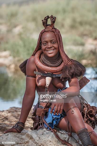 himba woman, kaokoland, namibia, africa - himba stock-fotos und bilder
