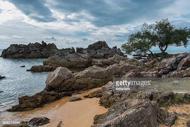 hin khrong view point at chanthaburi, thailand - lifeispixels stock pictures, royalty-free photos & images