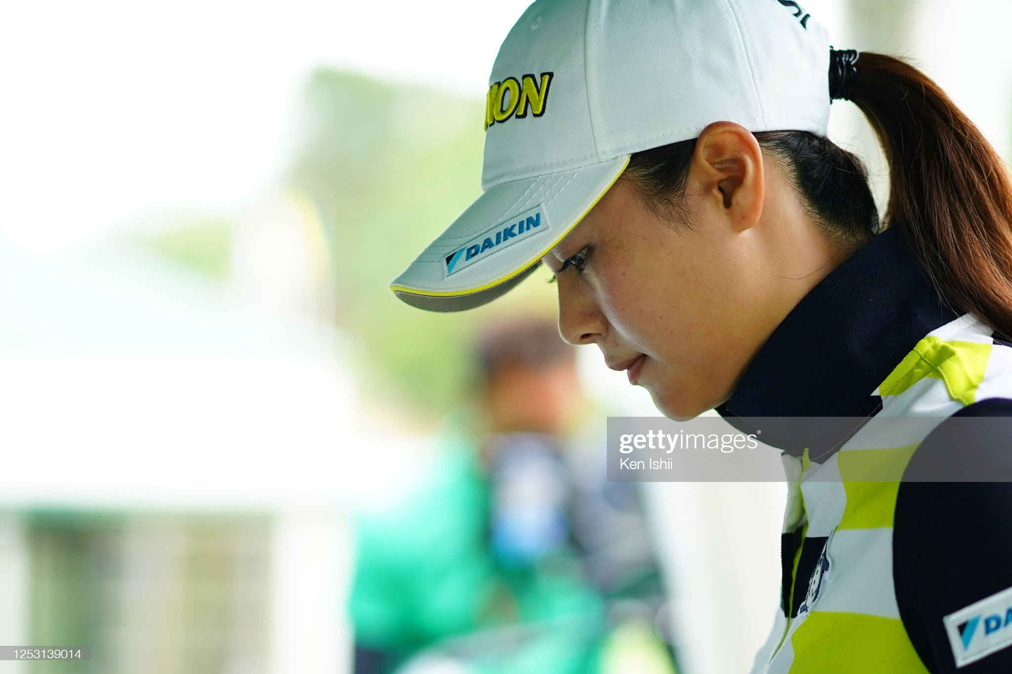 https://media.gettyimages.com/photos/hina-arakaki-of-japan-is-seen-on-the-1st-tee-during-the-final-round-picture-id1253139014?s=2048x2048