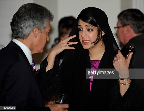 Hina Rabbani Khar Foreign Minister of Pakistan speaks with Stephen Smith Defence Minister of Australia at a Commonwealth Foreign Ministers' reception...