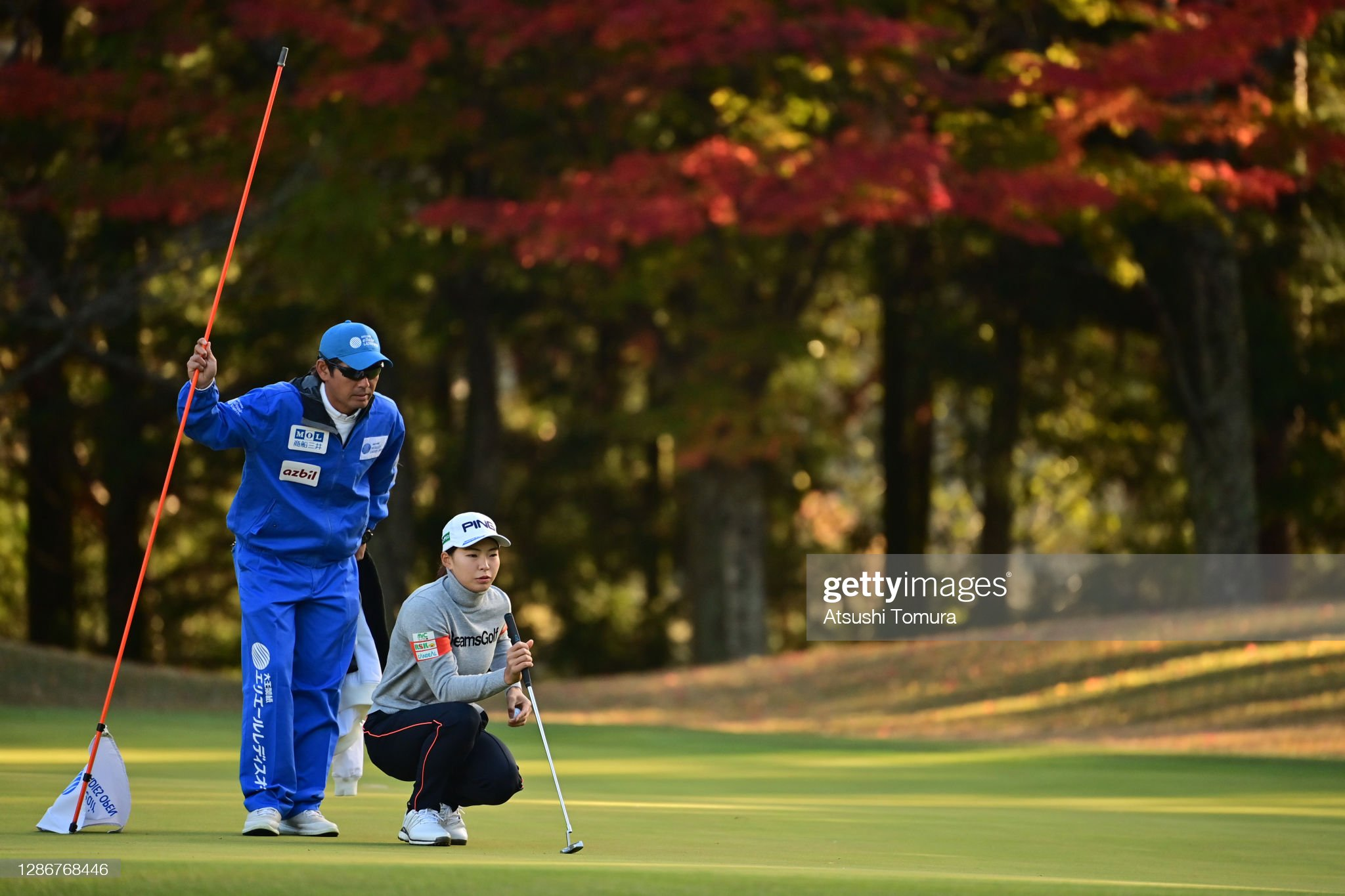 https://media.gettyimages.com/photos/hinako-shibuno-of-japan-lines-up-a-putt-on-the-1st-green-during-the-picture-id1286768446?s=2048x2048