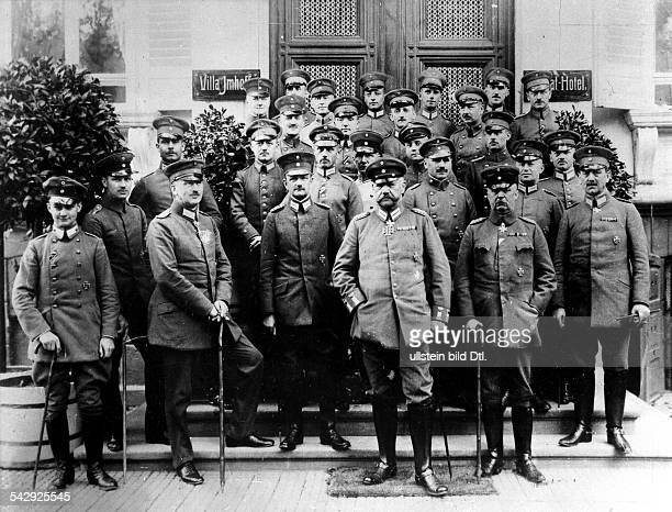Hindenburg and General Erich Ludendorff with the operating department of the Supreme Army Command in Bad Kreuznach