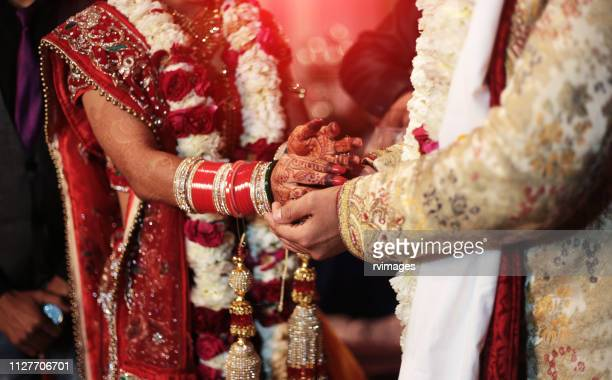 hindi wedding ceremony - newlywed stock pictures, royalty-free photos & images