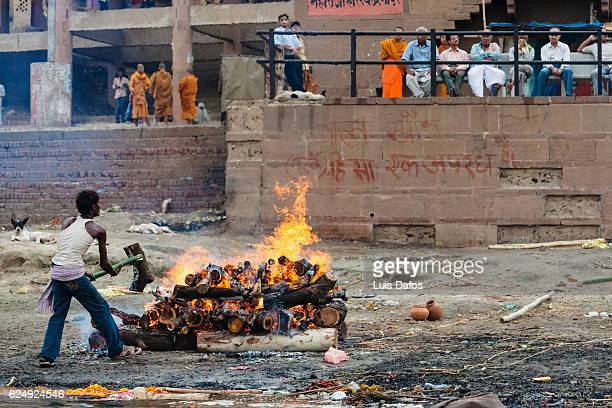 hindu funeral ceremony - dafos stock photos and pictures