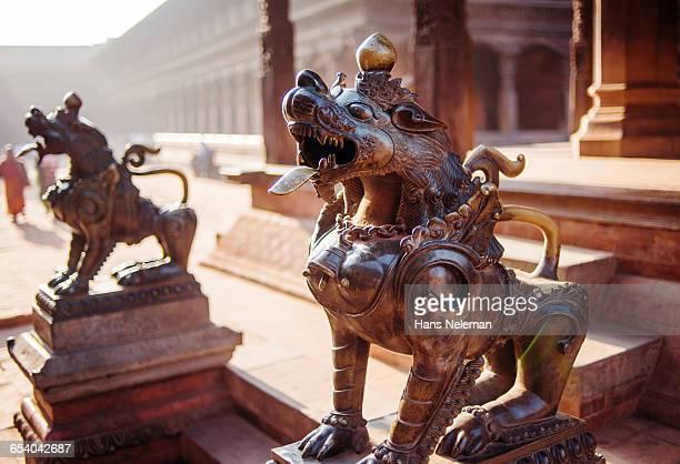 hindu temple, nepal - バクタプル ストックフォトと画像