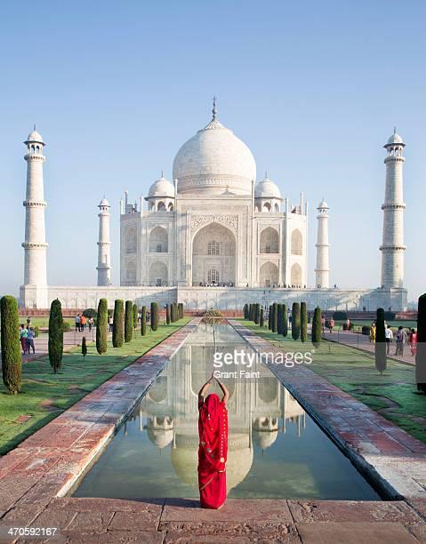 Hindu woman praying at Taj Mahal