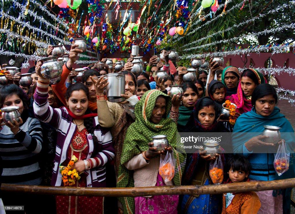 Hindus Celebrate Mahashivratri In India : News Photo