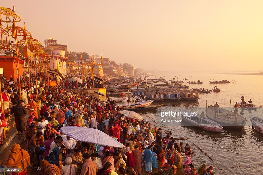 Hindus gathering at the Ganges, Varanasi : Stock Photo
