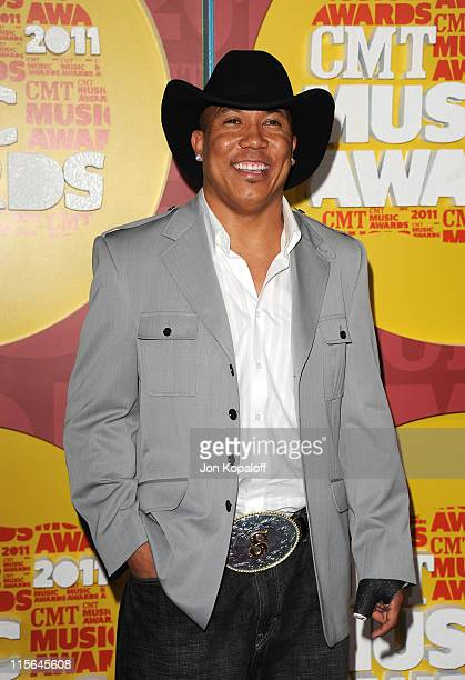 Hines Ward attends the 2011 CMT Music Awards at the Bridgestone Arena on June 8 2011 in Nashville Tennessee