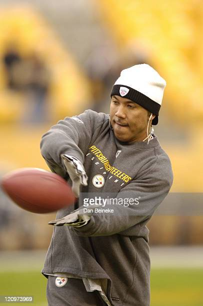 Hines Ward of the Steelers seen during pregame action at Heinz Field in Pittsburgh Pa on Sunday Dec 24 2006