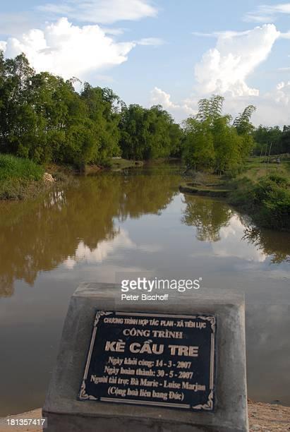 """""""Gestiftet von Marie-Luise Marjan"""", Einweihung von """"Ke""""-Brücke über Fluß Can , Besuch vietnamesisches P a t e n k i n d von M.-L.Marjan , Ngoen..."""