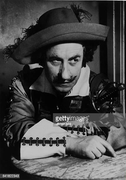 Hinz, Werner *18.01..1985+Schauspieler, D- in der Titelrolle des 'Cyrano de Bergerac' in der gleichnamigen Verskomoedie von Edmond Rostand, Deutsches...