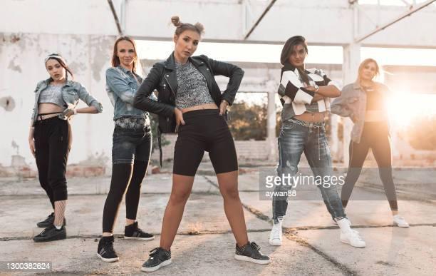 hip hop dansare - dance troupe bildbanksfoton och bilder