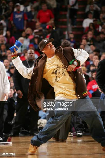 Hiphop artist Chris Brown throws tshirts to fans at the game between the Seattle SuperSonics and the Philadelphia 76ers on January 9 2006 at the...