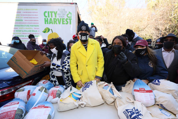 NY: Rapper French Montana Gives Away Turkeys To New Yorkers In Need